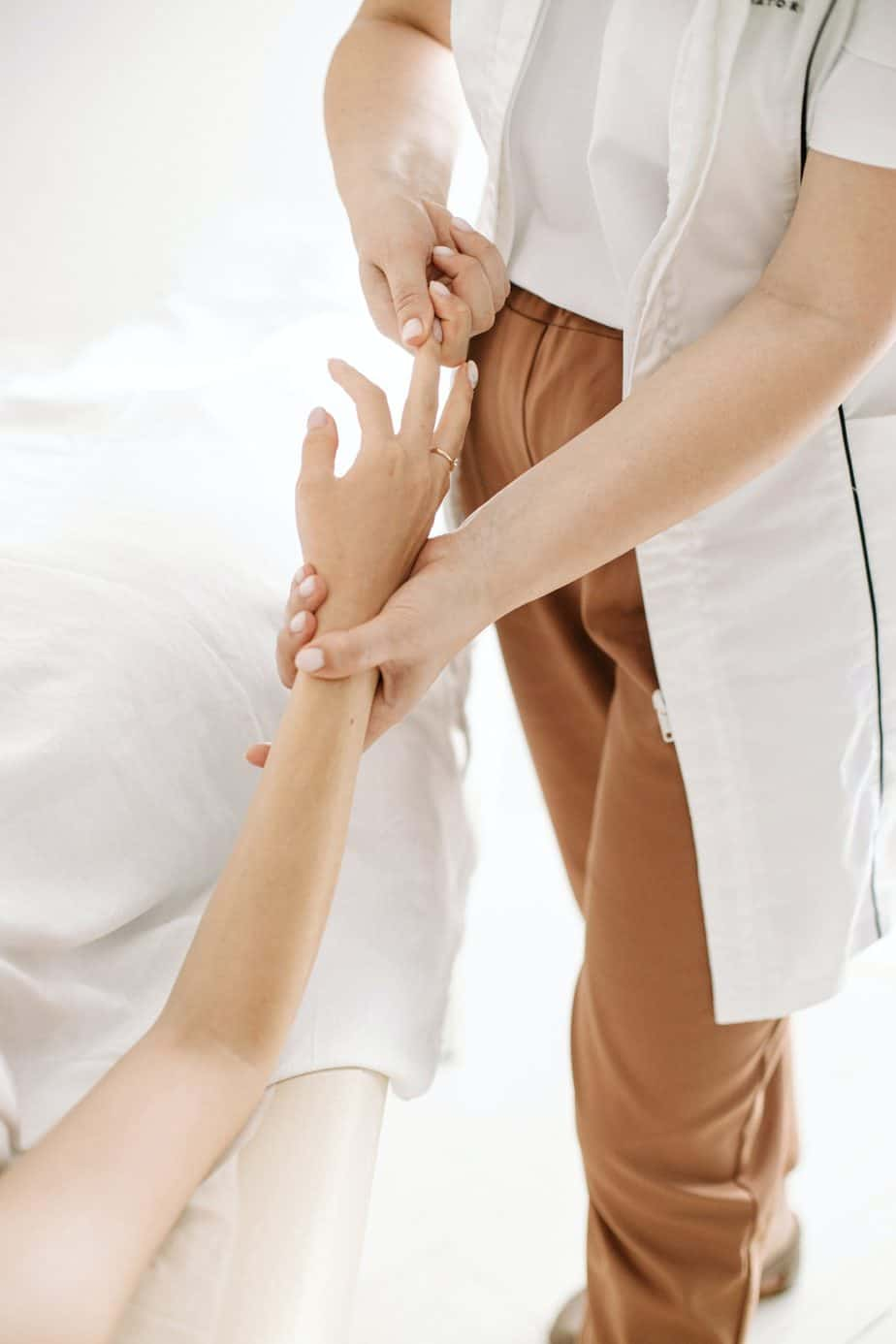hands-massage